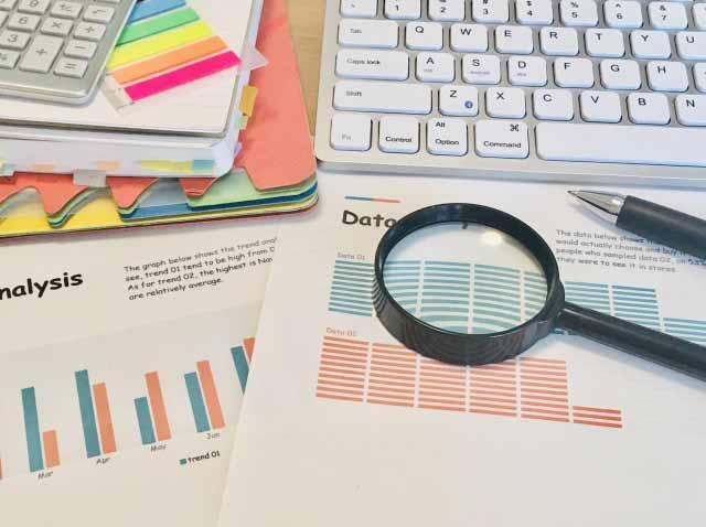 採用成功のカギは経験と分析